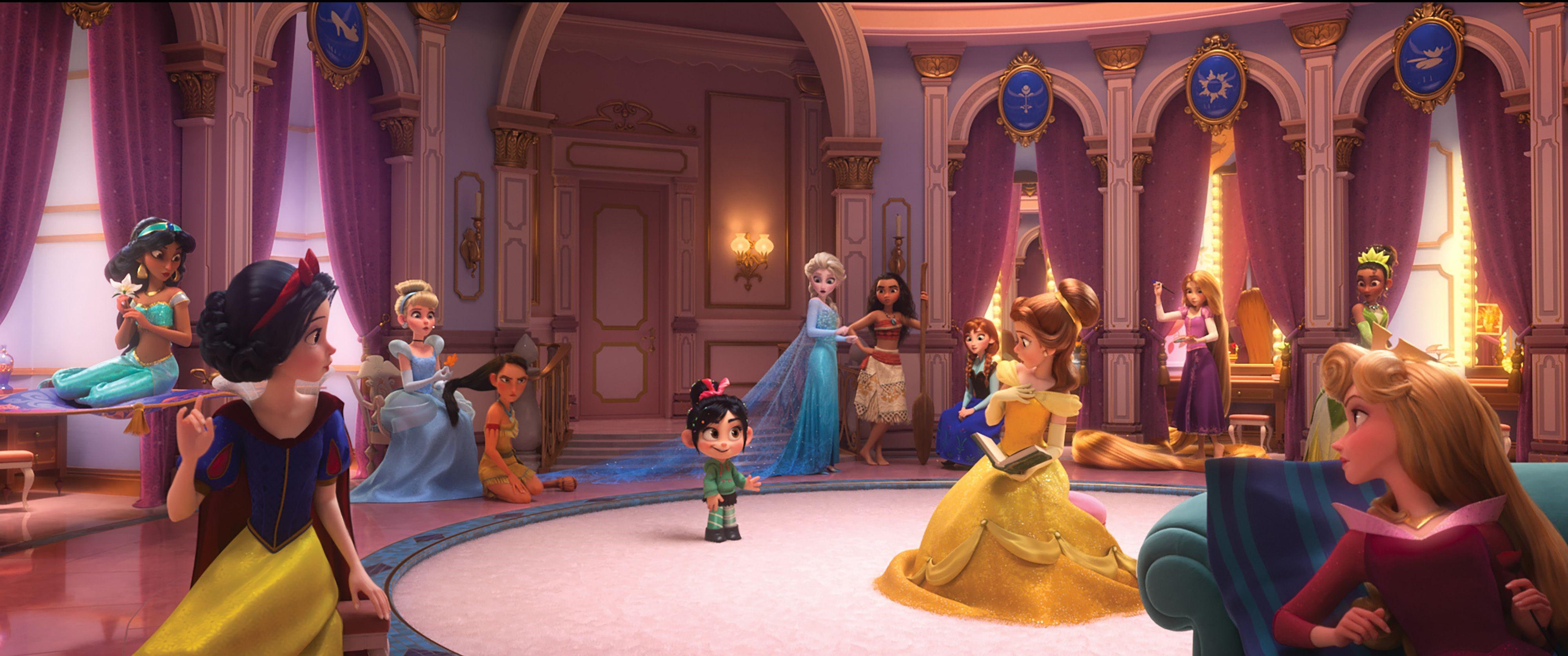 Imagen de Vanellope y las princesas en Ralph rompe Internet