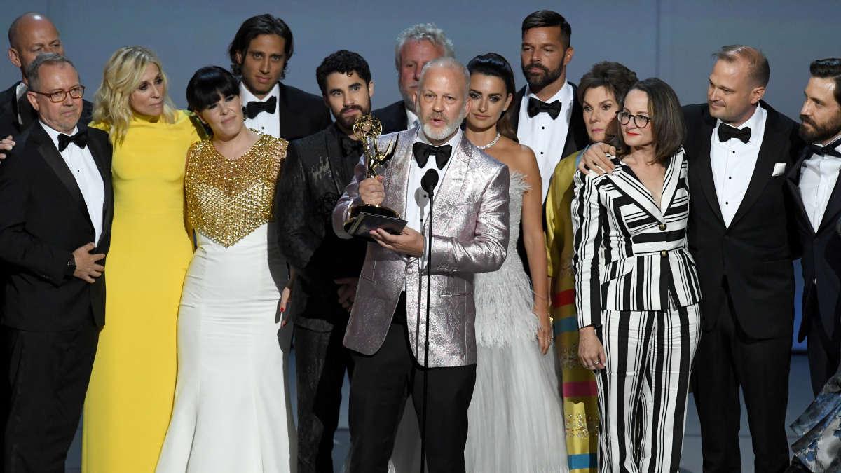 Ryan Murphy tras recibir su Emmy // Rpp
