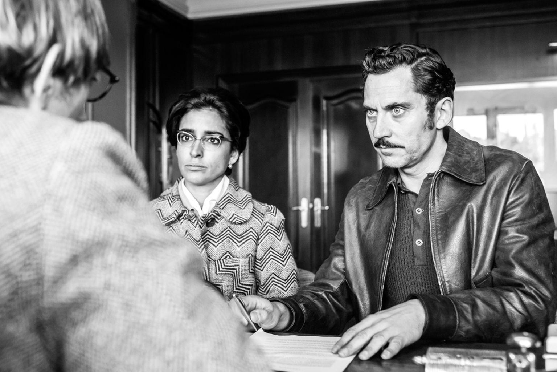 Paco León e Inma Cuesta en una escena de Arde Madrid // Vertele - Eldiario.es