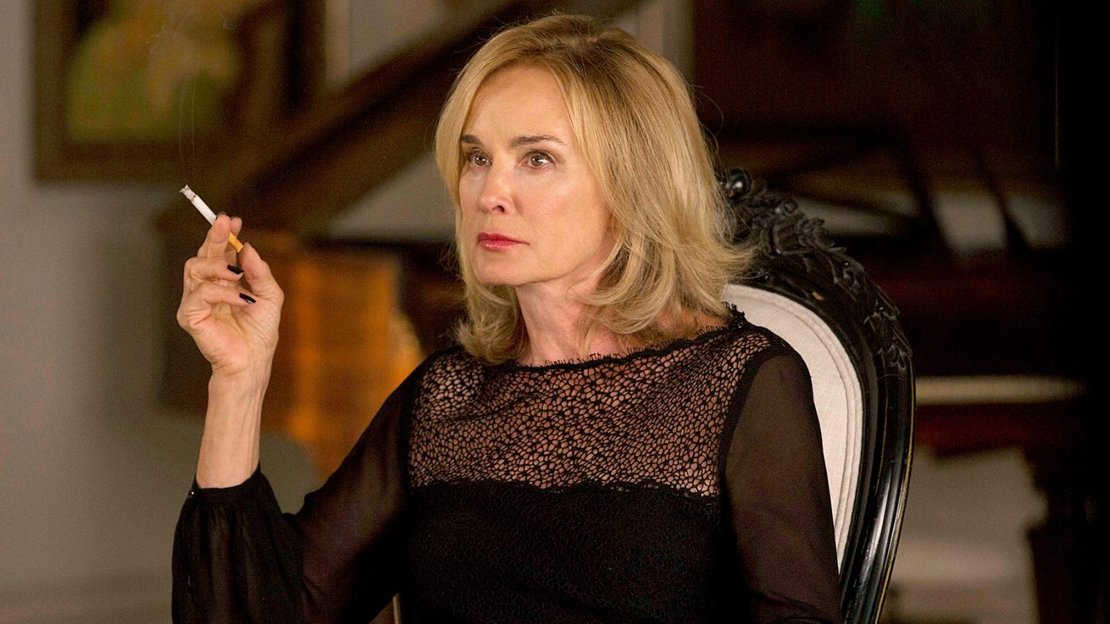 Fotograma de Jessica Lange en la tercera temporada de American Horror Story // Us Weekly